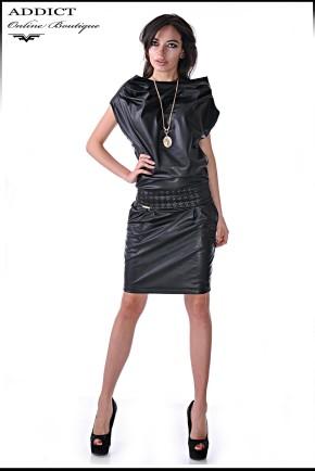 кожена рокля