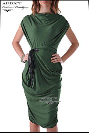 Лятна спортно елегантна рокля в тъмно зелен цвят