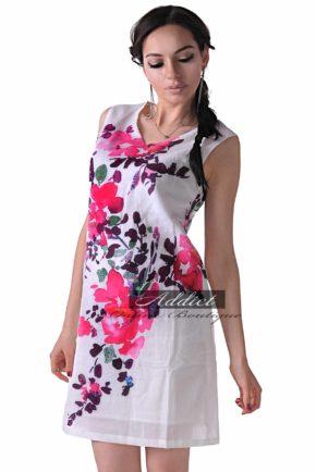 byala roklya jasmine 2 white purple flowers