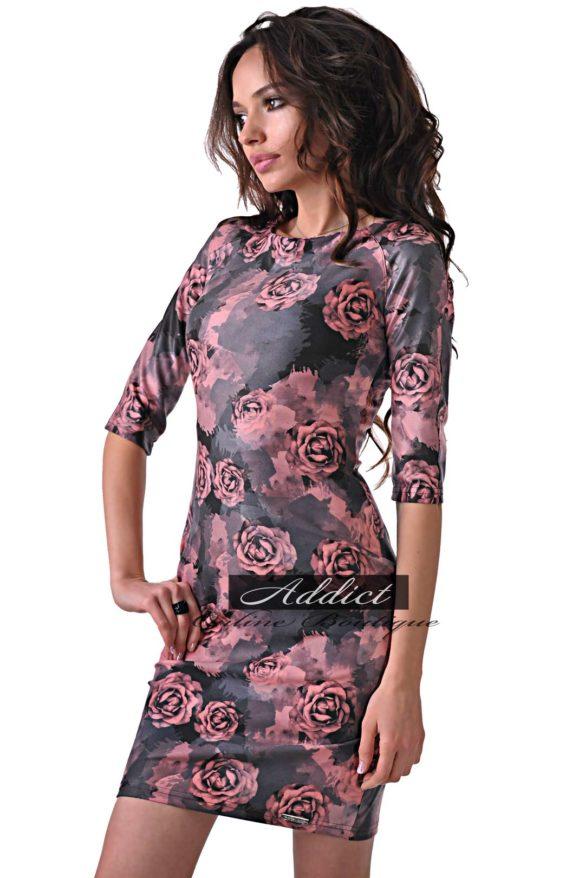 рокля със щампа от рози