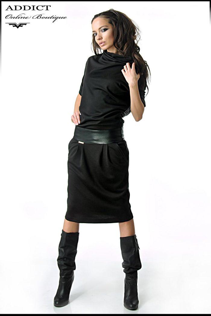 черна рокля с кожен колан и 7/8 ръкави адикт бутик