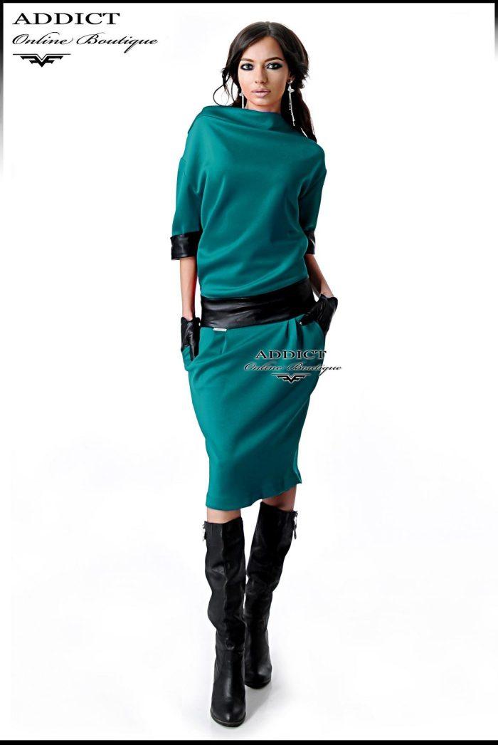 тюркоазена рокля с ластик в кръста и 7/8 ръкав от адикт бутик