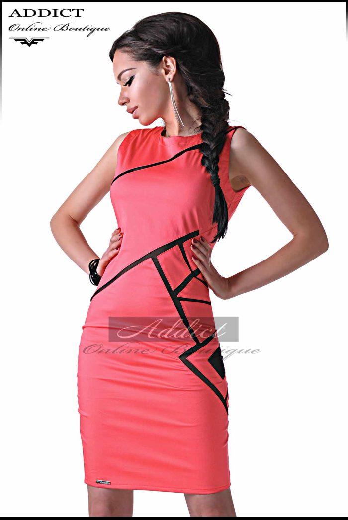 лятна розова рокля
