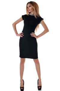 черна рокля от плетиво