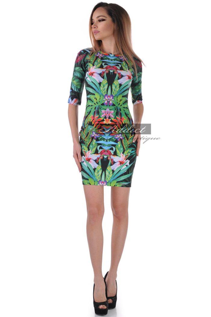 рокля шарена