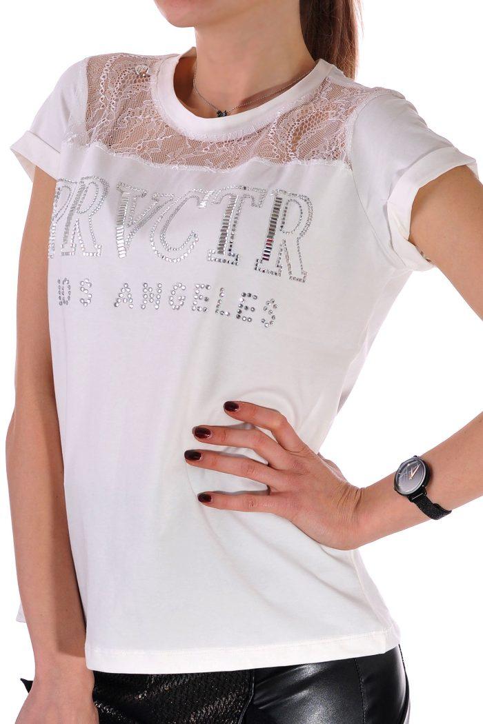 лятна бяла тениска