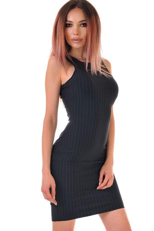 еластична лятна рокля