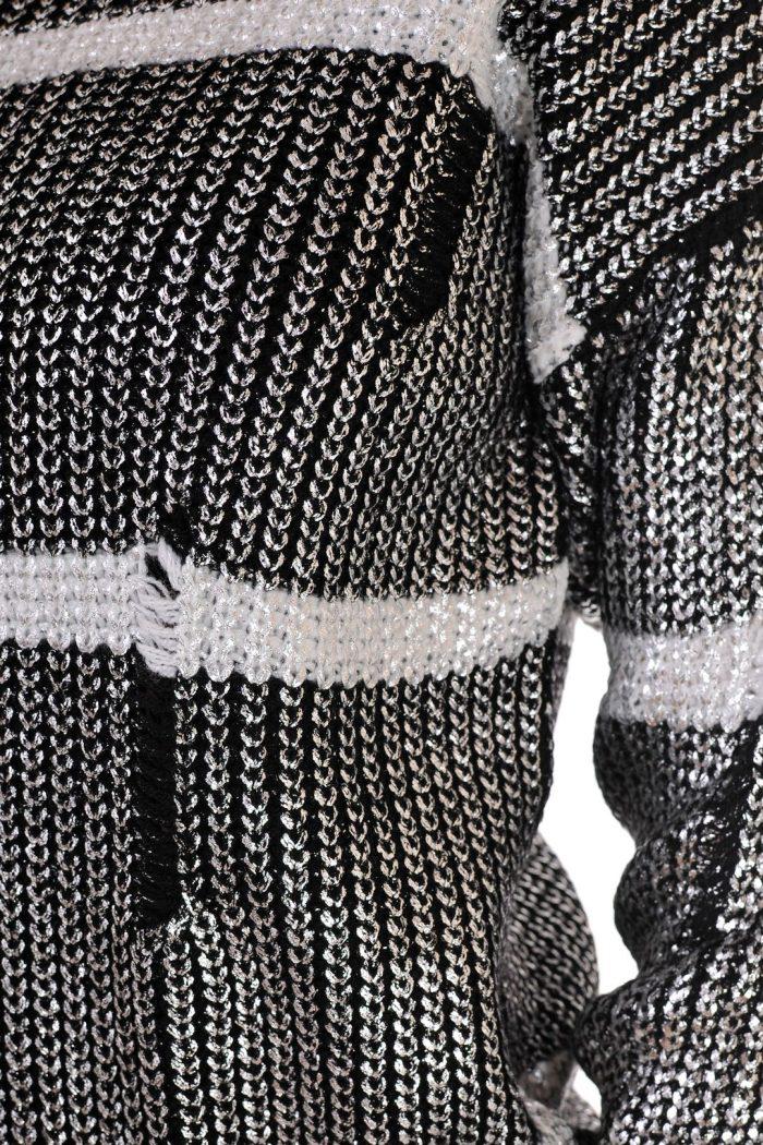 пуловер на бримки