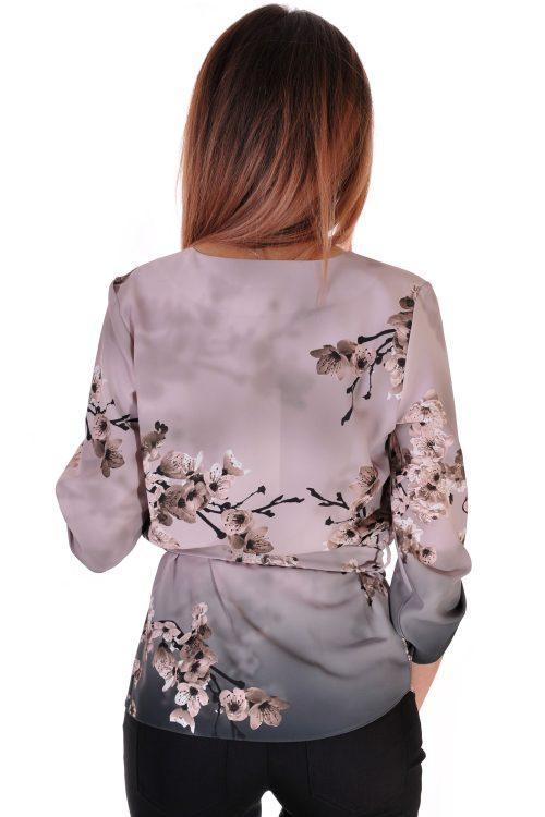 шарена риза с колан