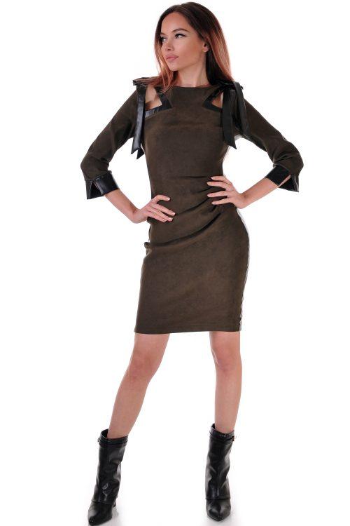 рокля от велур