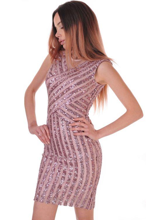 рокля с пайети