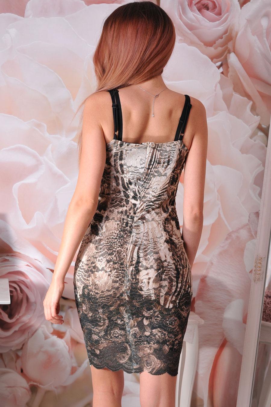 рокля дантелена