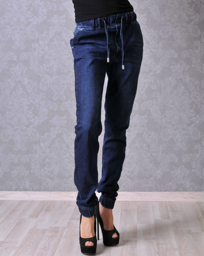 сини дънки панталон